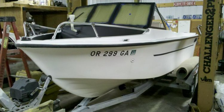 1998 Seaswirl Striper Boat